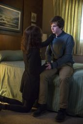 Nicola Peltz - Bates Motel Season 3 Episode Stills