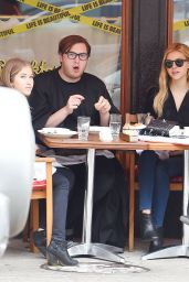 Nicola Peltz Having Lunch in New York City, May 2015
