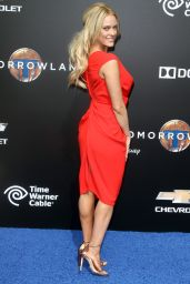 Peta Murgatroyd – Tomorrowland Premiere in Anaheim