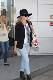 Reese Witherspoon at JFK Airport, May 2015