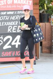 Reese Witherspoon - Leaving a Market in Santa Monica, May 2015