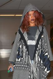 Rihanna - Arriving at LAX Airport in Los Angeles, April 2015