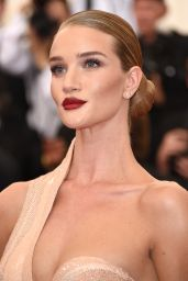 Rosie Huntington-Whiteley – 2015 Costume Institute Benefit Gala in New York City