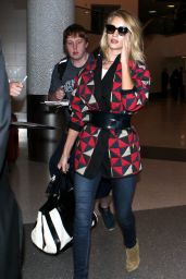 Rosie Huntington-Whiteley - Arriving From a Flight at LAX airport in Los Angeles, May 2015