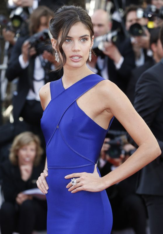 Sara Sampaio – Youth Premiere at 2015 Cannes Film Festivala