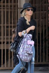 Sarah Michelle Gellar - Out in Santa Monica, May 2015