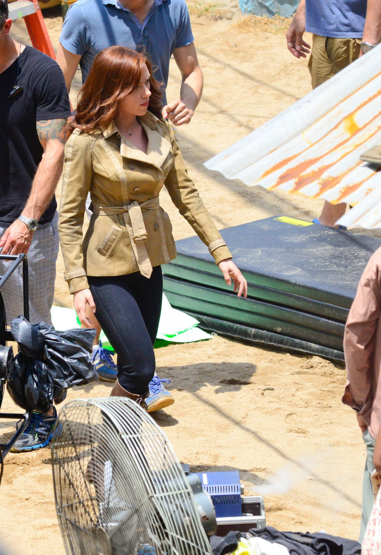 Scarlett Johansson Captain America Civil War Set Photos