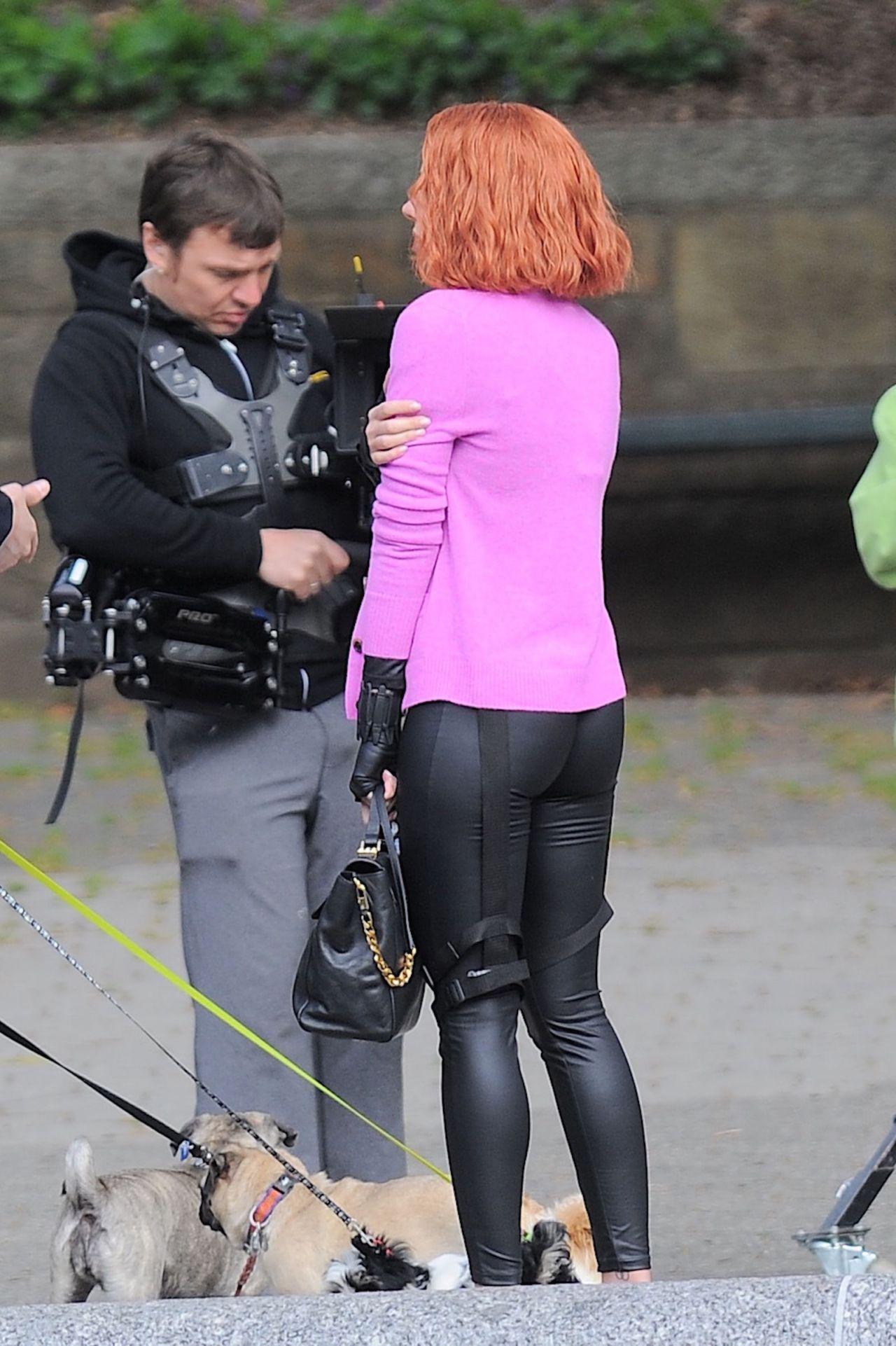 Scarlett Johansson Filming Scenes For Saturday Night