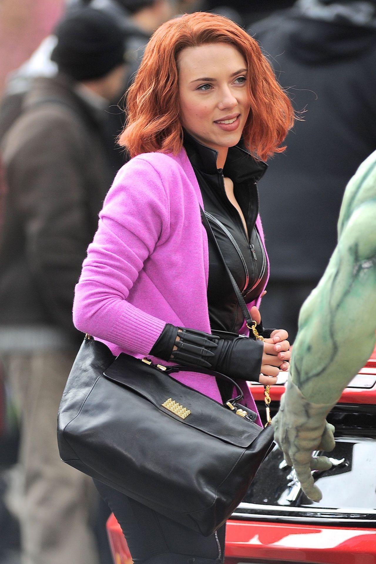 Scarlett Johansson - Filming Scenes For Saturday Night