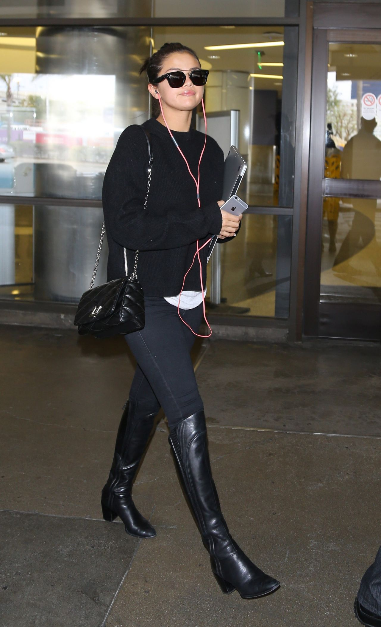 Selena Gomez Street St...