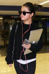 Selena Gomez Street Style - LAX Airport, May 2015
