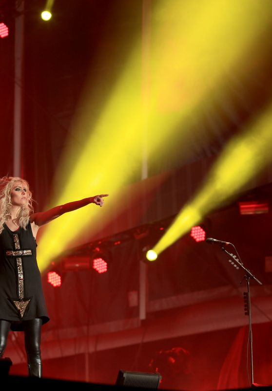 Taylor Momsen - Rock in Rio USA 2015 Music Concerts in Las Vegas