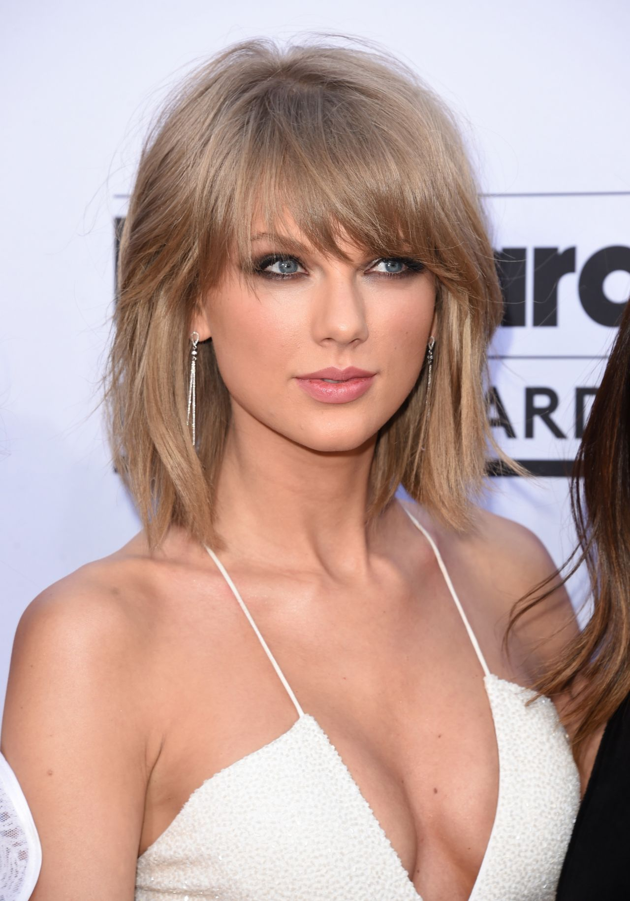 Taylor Swift Style Clothes Outfits And Fashion Celebmafia Over the time it has been ranked as high as 17 299 in the world, while most of its traffic comes from india, where it reached as high as 9 353 position. taylor swift style clothes outfits
