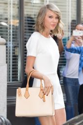 Taylor Swift Fashion - Out in New York City, May 2015