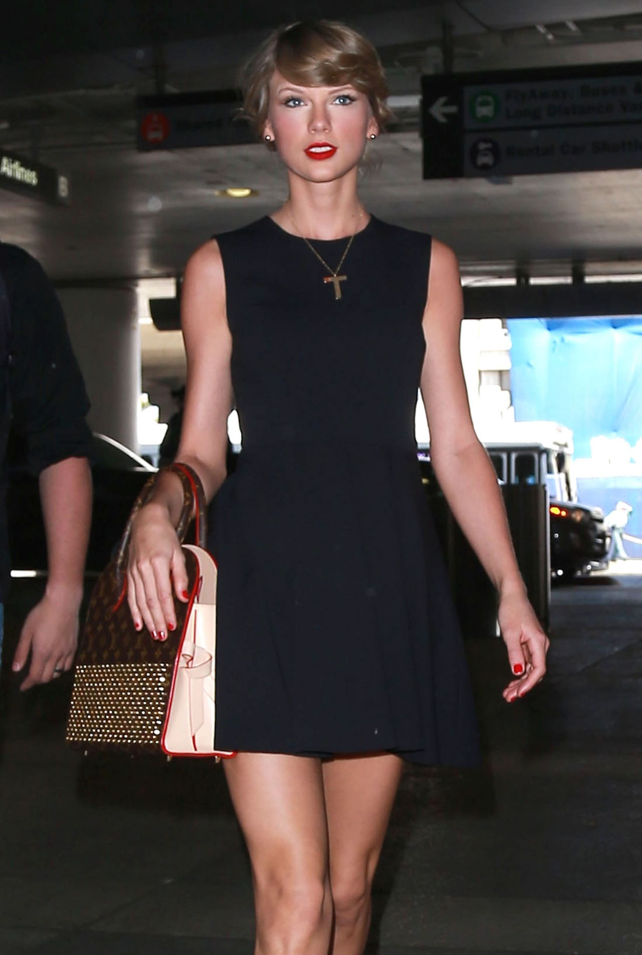 taylor swift in black mini dress