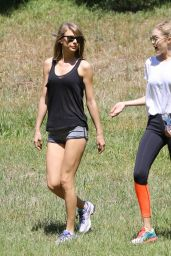 Taylor Swift - Out for a Walk With Gigi Hadid in Beverly Hills - May 2015