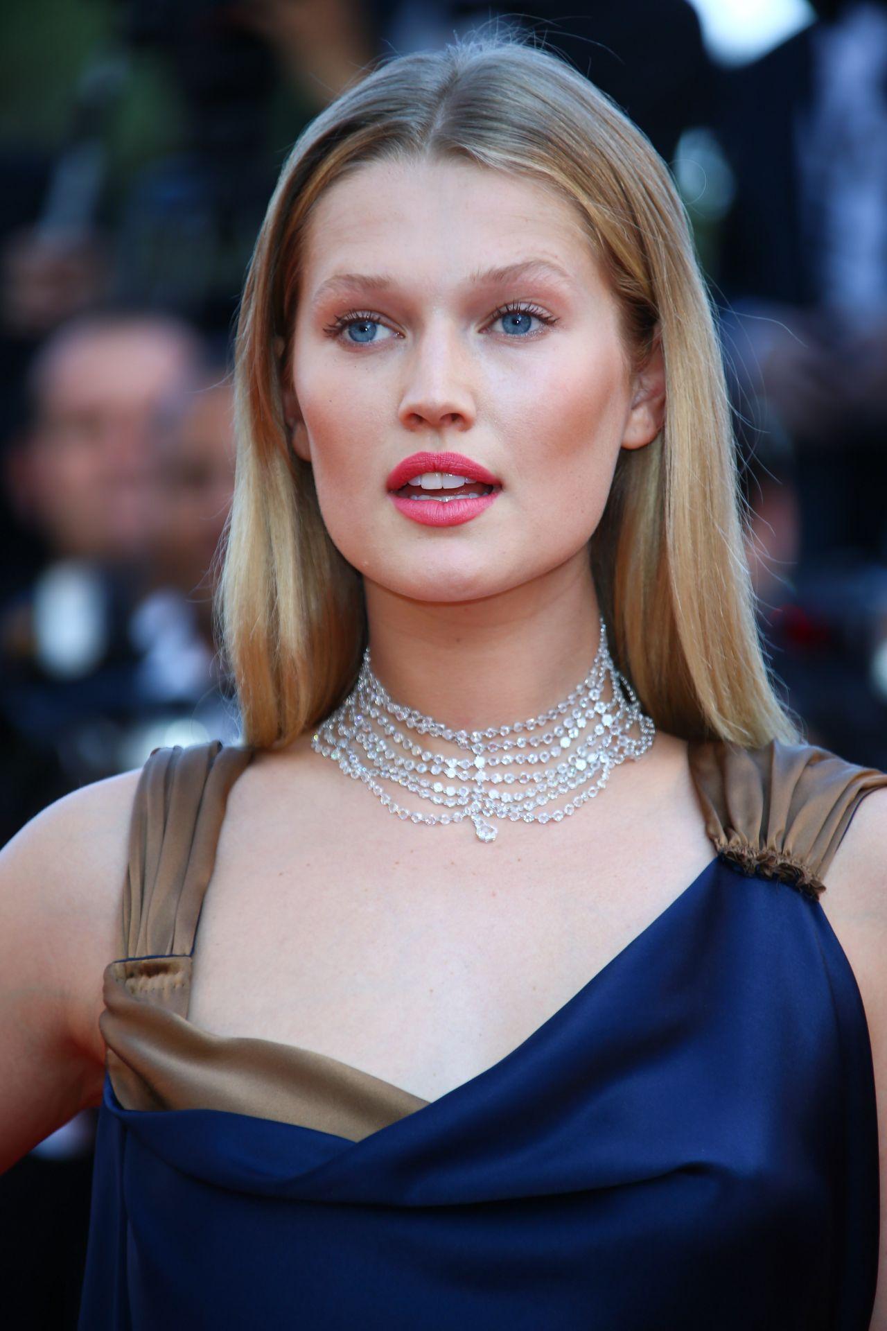 Toni Garrn Carol Premiere 2015 Cannes Film Festival