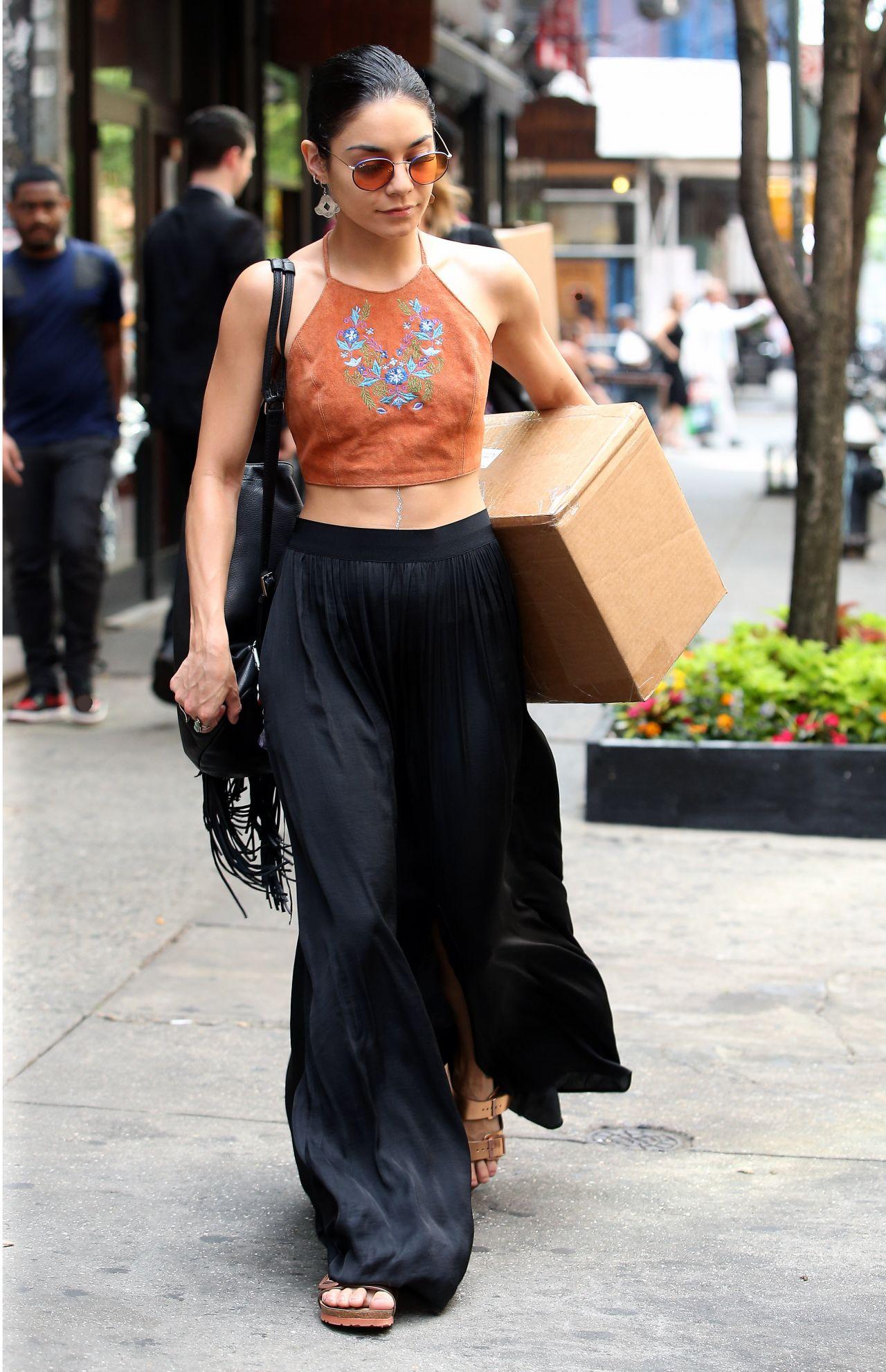 Vanessa Hudgens Street Style Outside Her Apartment In Soho New York City May 2015
