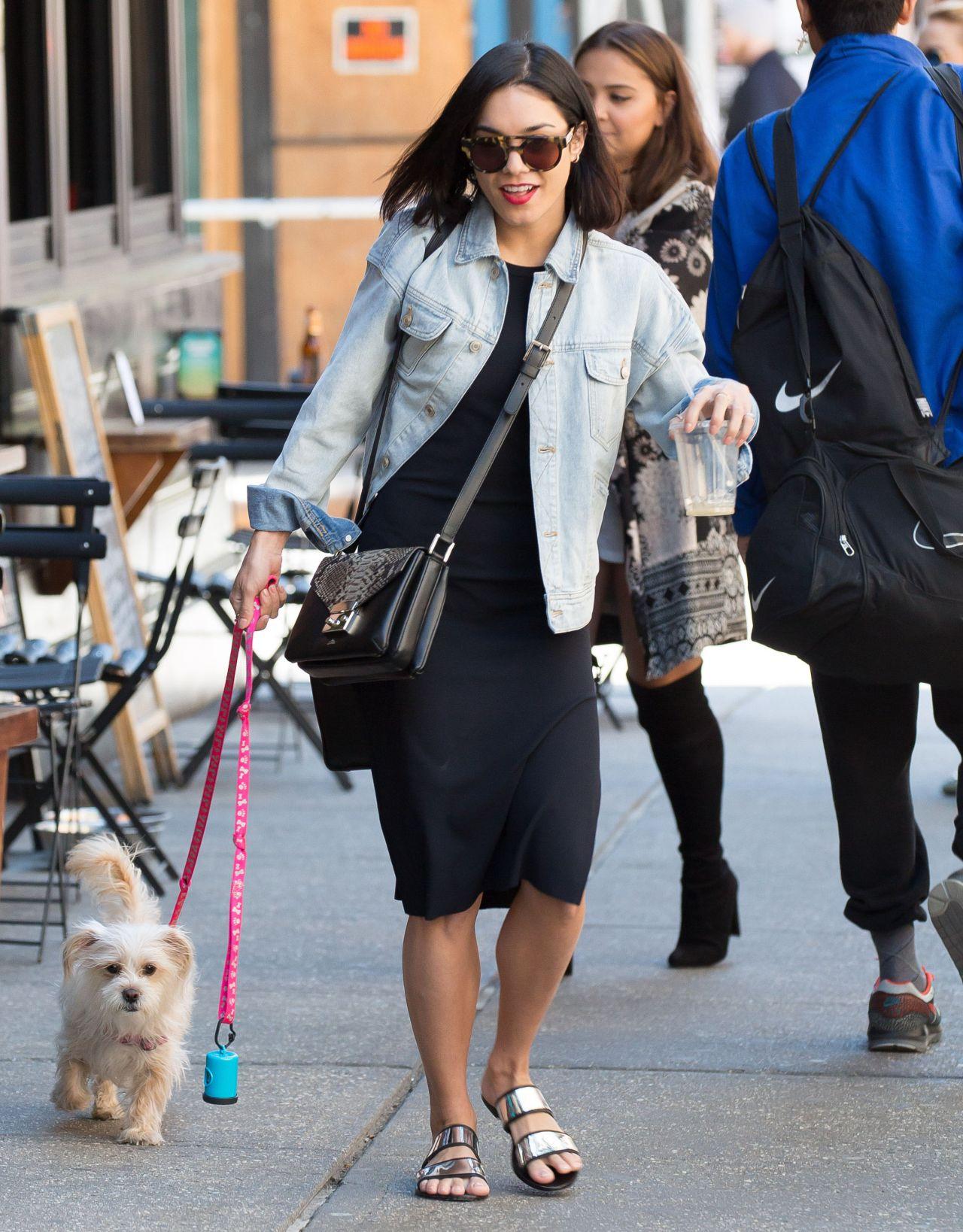 1280 x 1638 jpeg 298kB, ... Hudgens Street Style – Walking Her Dog ...