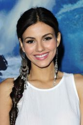 Victoria Justice - Pottery Barn Teen Launch Event In Los Angeles