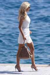 Victoria Silvstedt at the Hotel du Cap-Eden-Roc in Cannes, May 2015