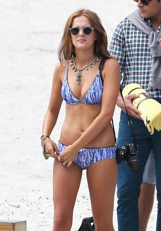 Zoey Deutch Bikini Photos – Dirty Grandpa Set Photos, Georgia, May 2015
