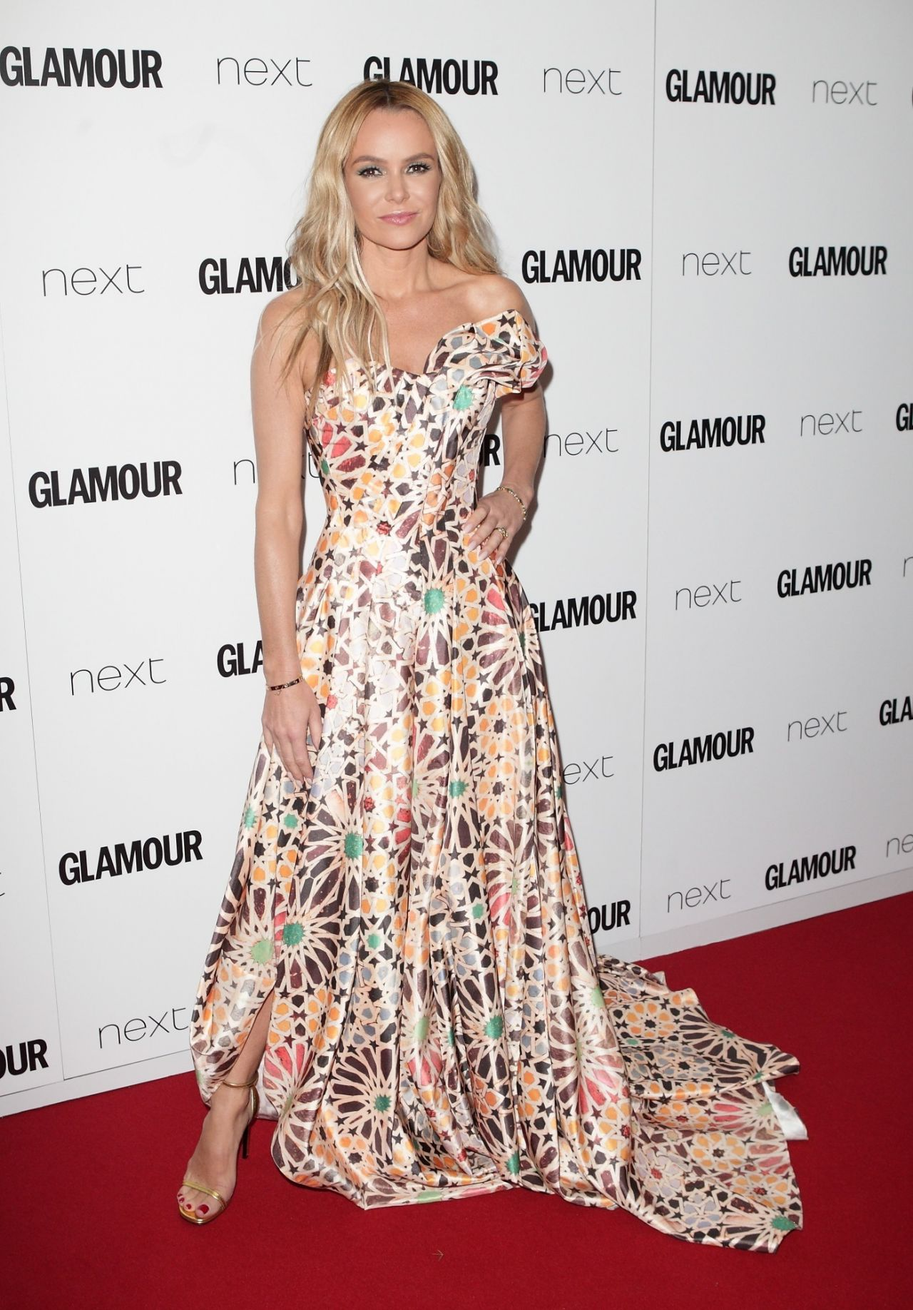 Fashion style Women glamours of the year awards for lady