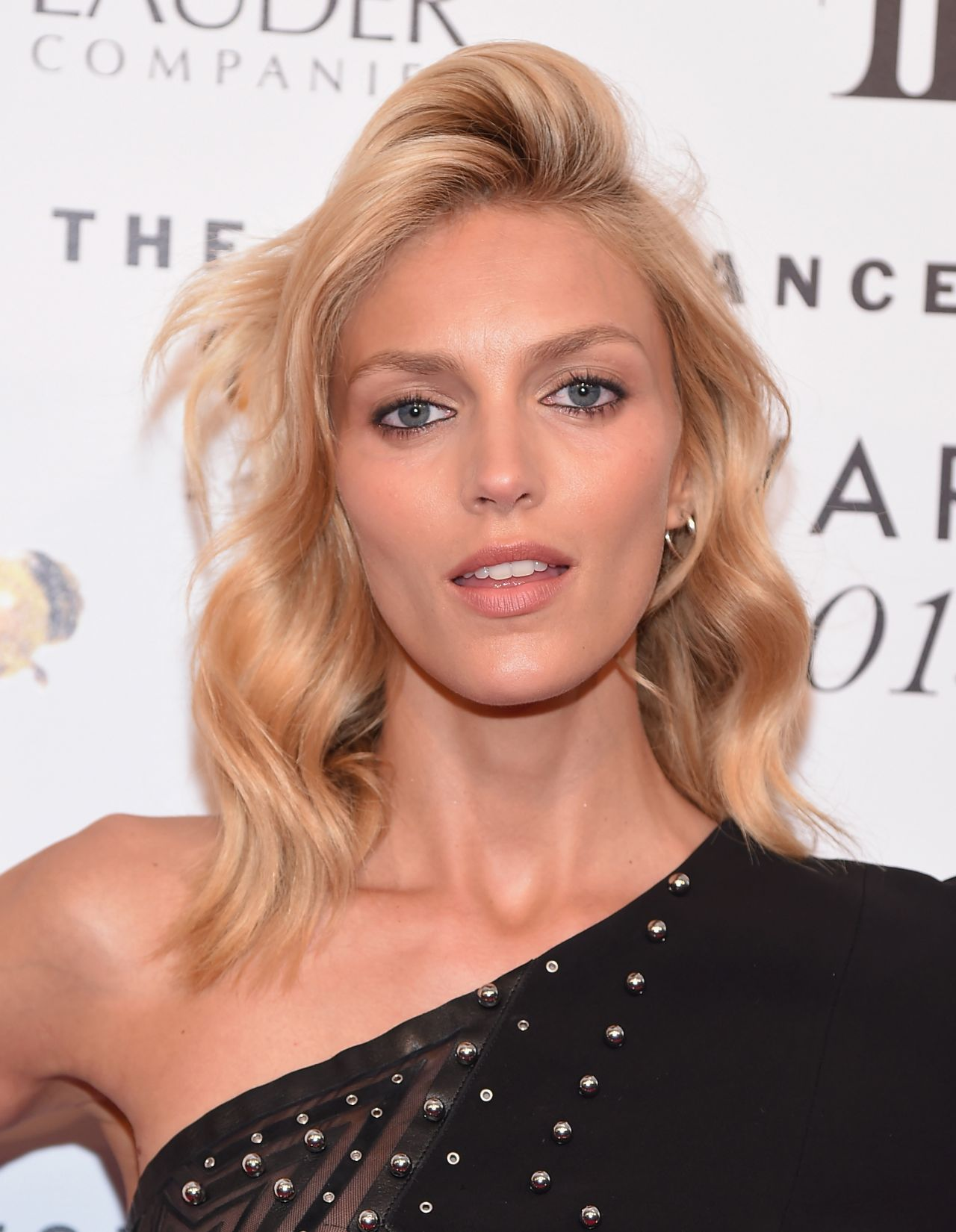 Anja Rubik 2015 Fragrance Foundation Awards In Nyc