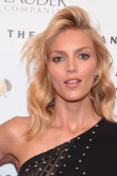 Anja Rubik - 2015 Fragrance Foundation Awards in NYC