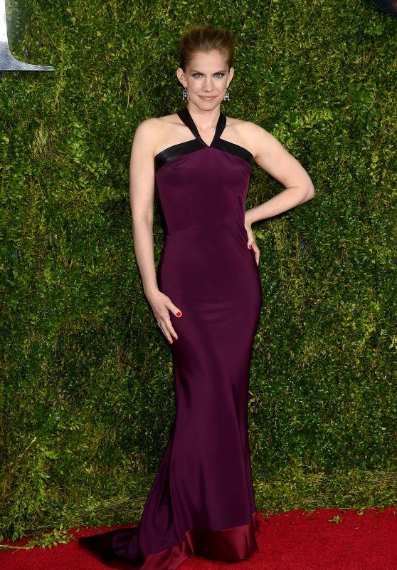 Anna Chlumsky - 2015 Tony Awards in New York City