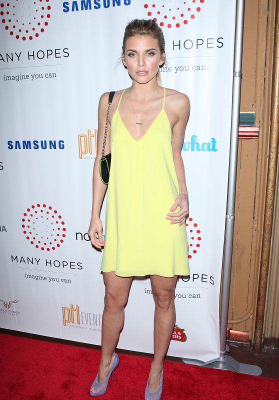 AnnaLynne McCord - 2015 Discover Many Hopes Gala in New York City