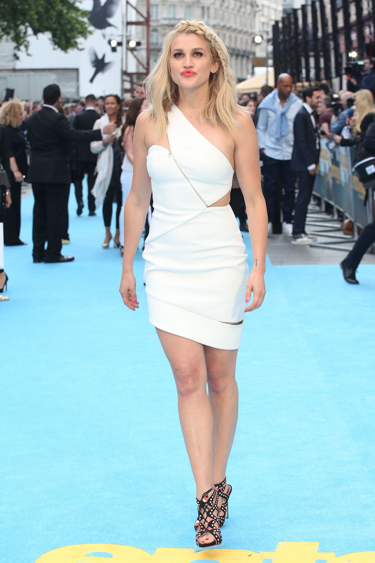 Ashley Roberts Entourage Premiere In London
