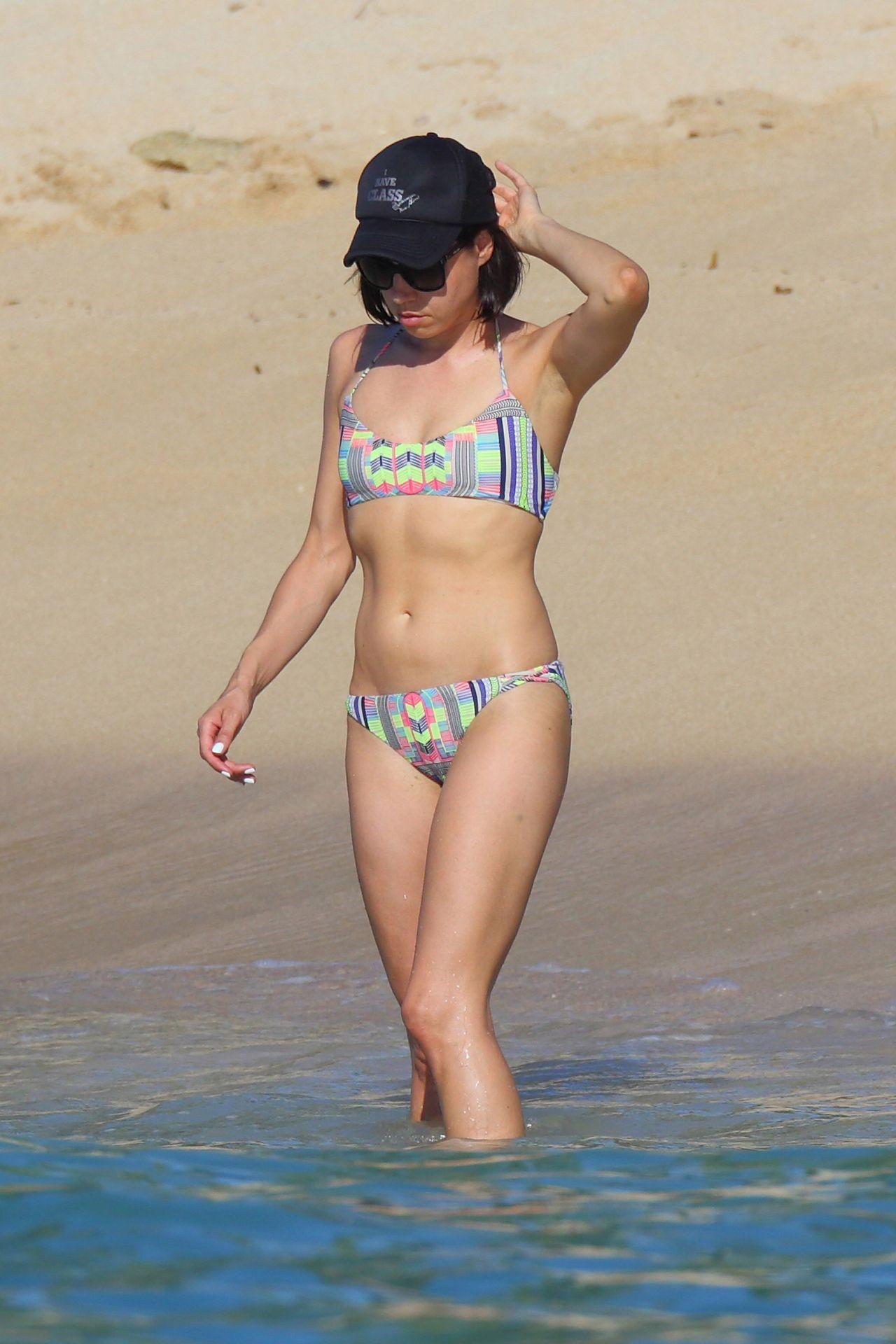 Aubrey Plaza Bikini Candids In Hawaii June 2015