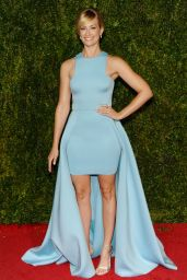 Beth Behrs on Red Carpet - 2015 Tony Awards in New York City