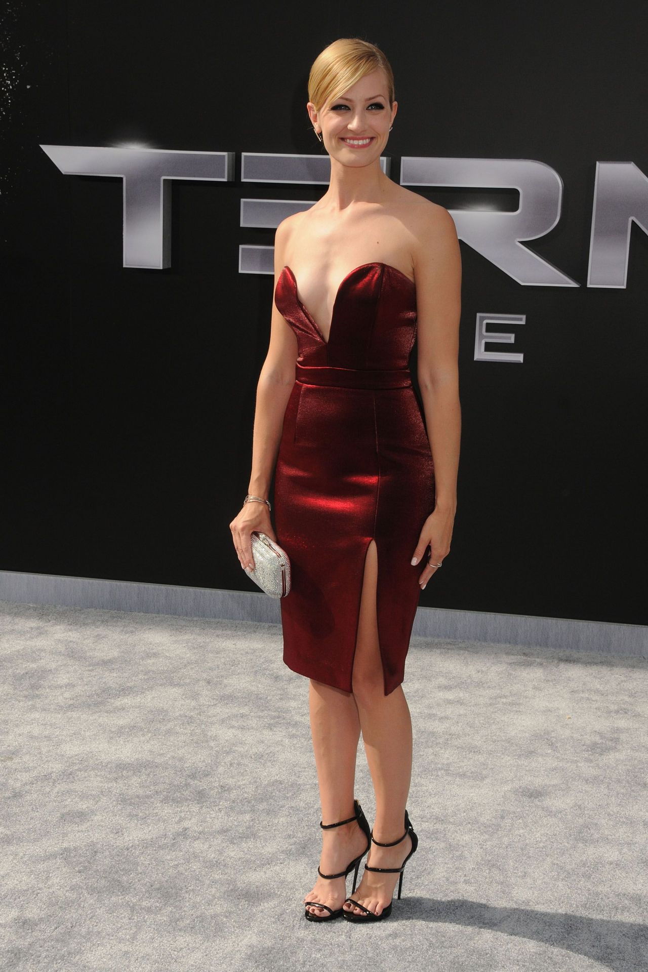 Beth Behrs Terminator Genisys Premiere In Hollywood