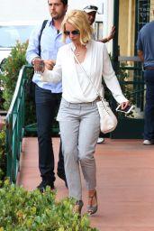 Britney Spears Style - Getting Coffee in LA, June 2015