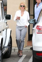 Britney Spears Style - Getting Coffee in LA, June 2015