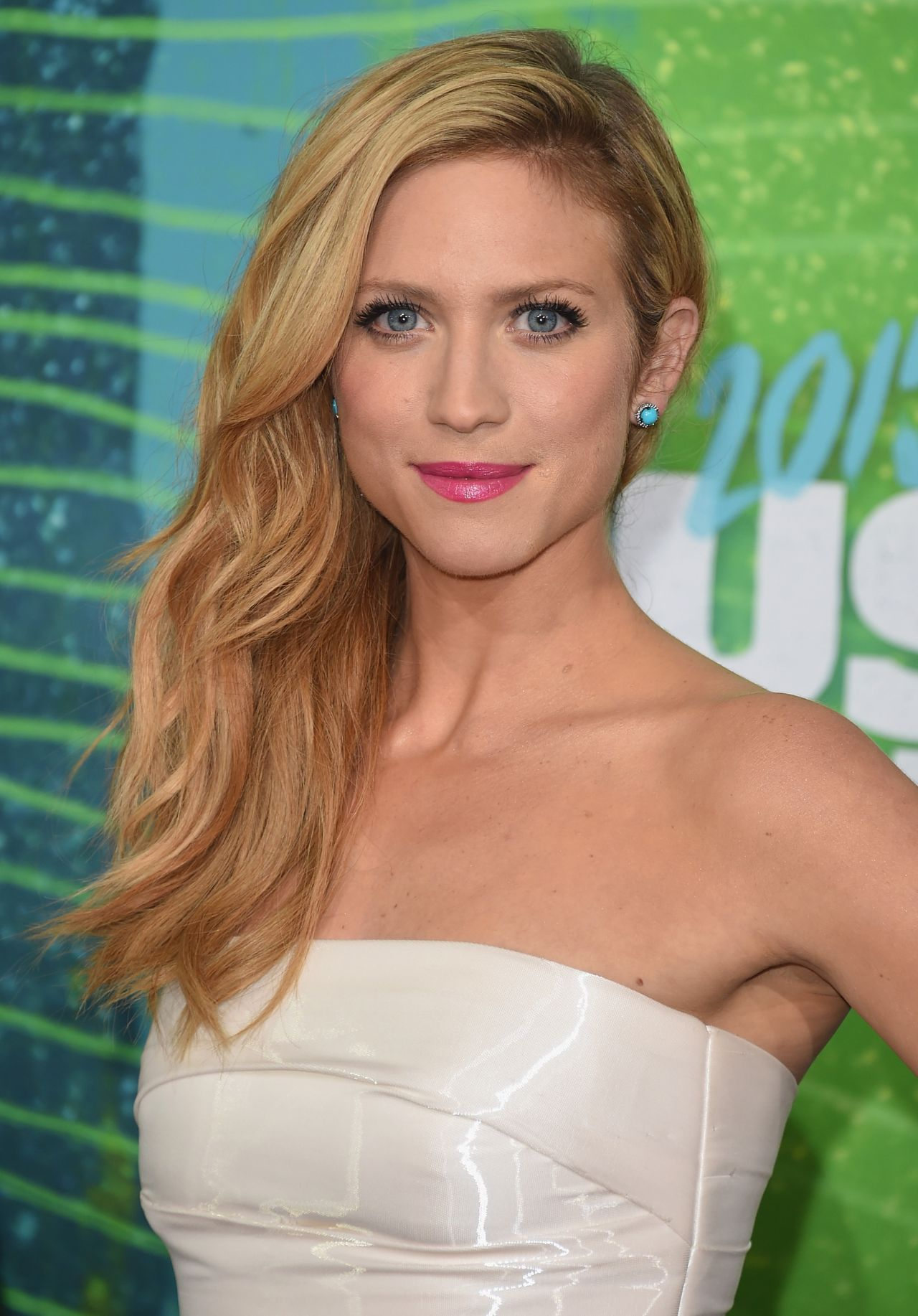 Brittany Snow - 2015 CMT Music Awards in Nashville Brittany Snow