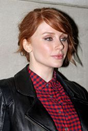 Bryce Dallas Howard - Outside