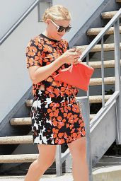 Busy Phillipps - Leaving Gracias Madre in Los Angeles, June 2015