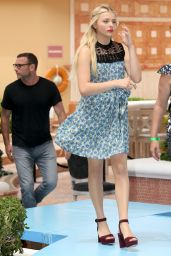 Chloe Moretz - The 5th Wave Photocall in Cancun