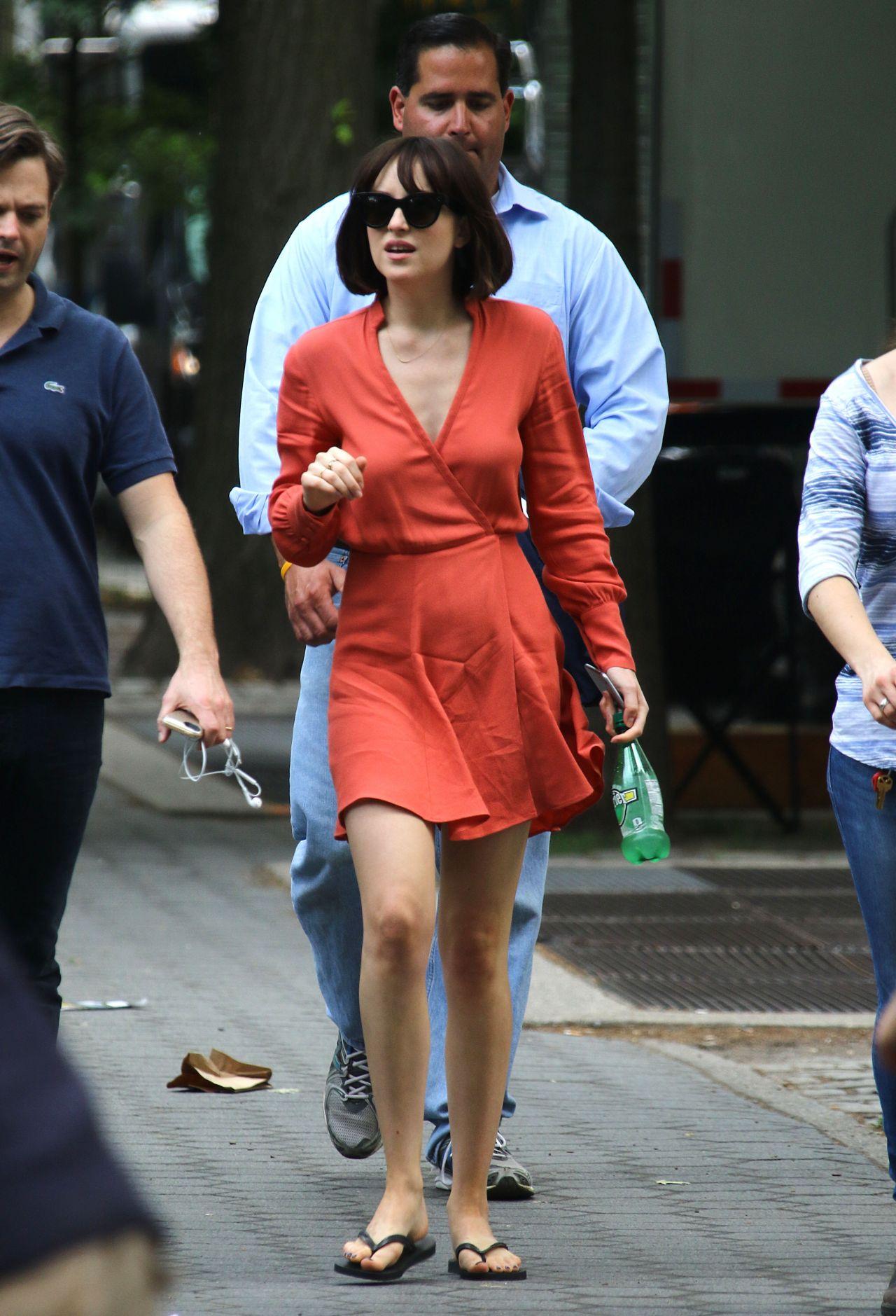 Dakota Johnson How To Be Single Movie Set In New York City, May 2015
