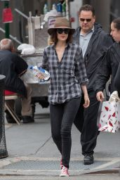 Dakota Johnson - On Set of