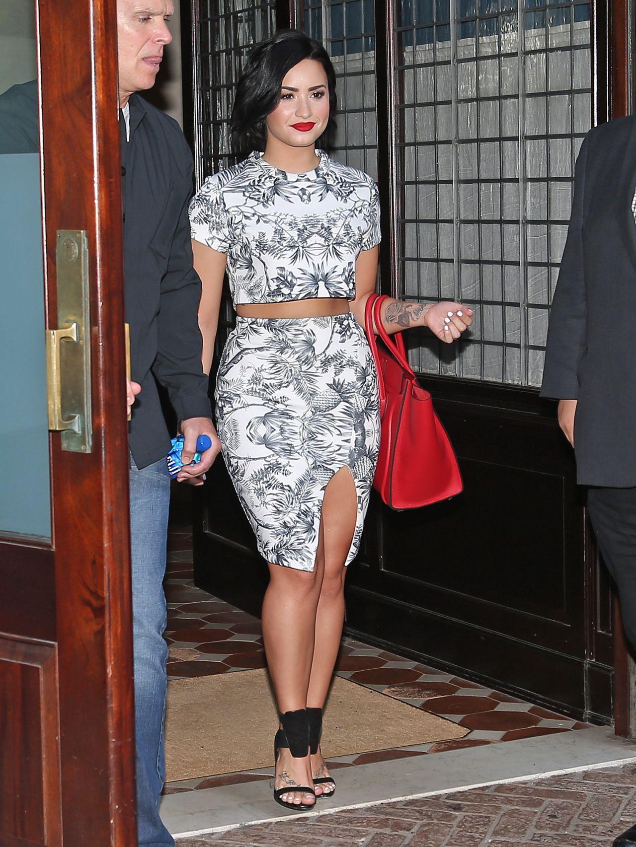 Kendall Jenner Street Style - New York City, June 2015