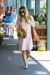 Drew Barrymore Shopping at Whole Foods in West Hollywood, June 2015