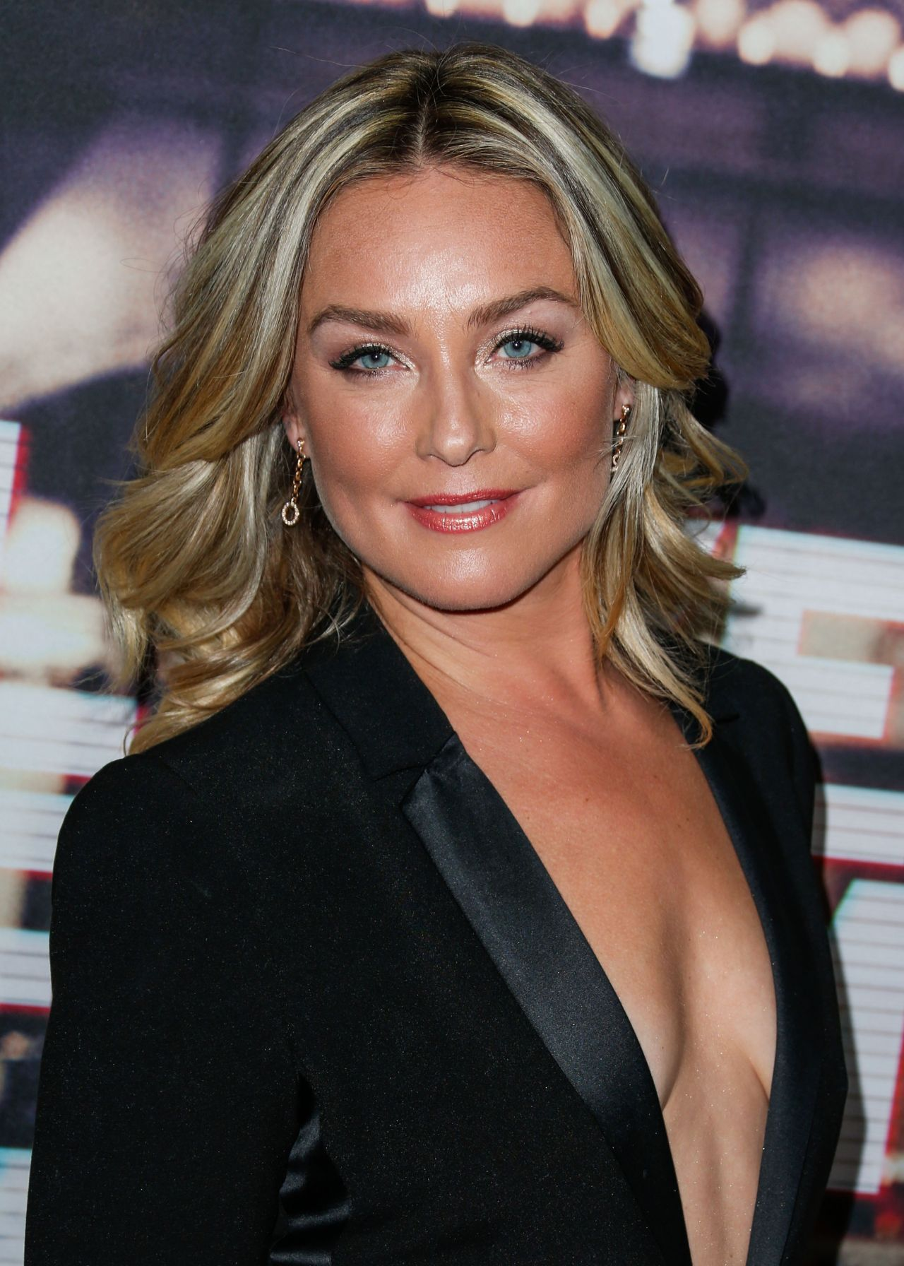 Elisabeth Rohm Live From New York Premiere In Los Angeles