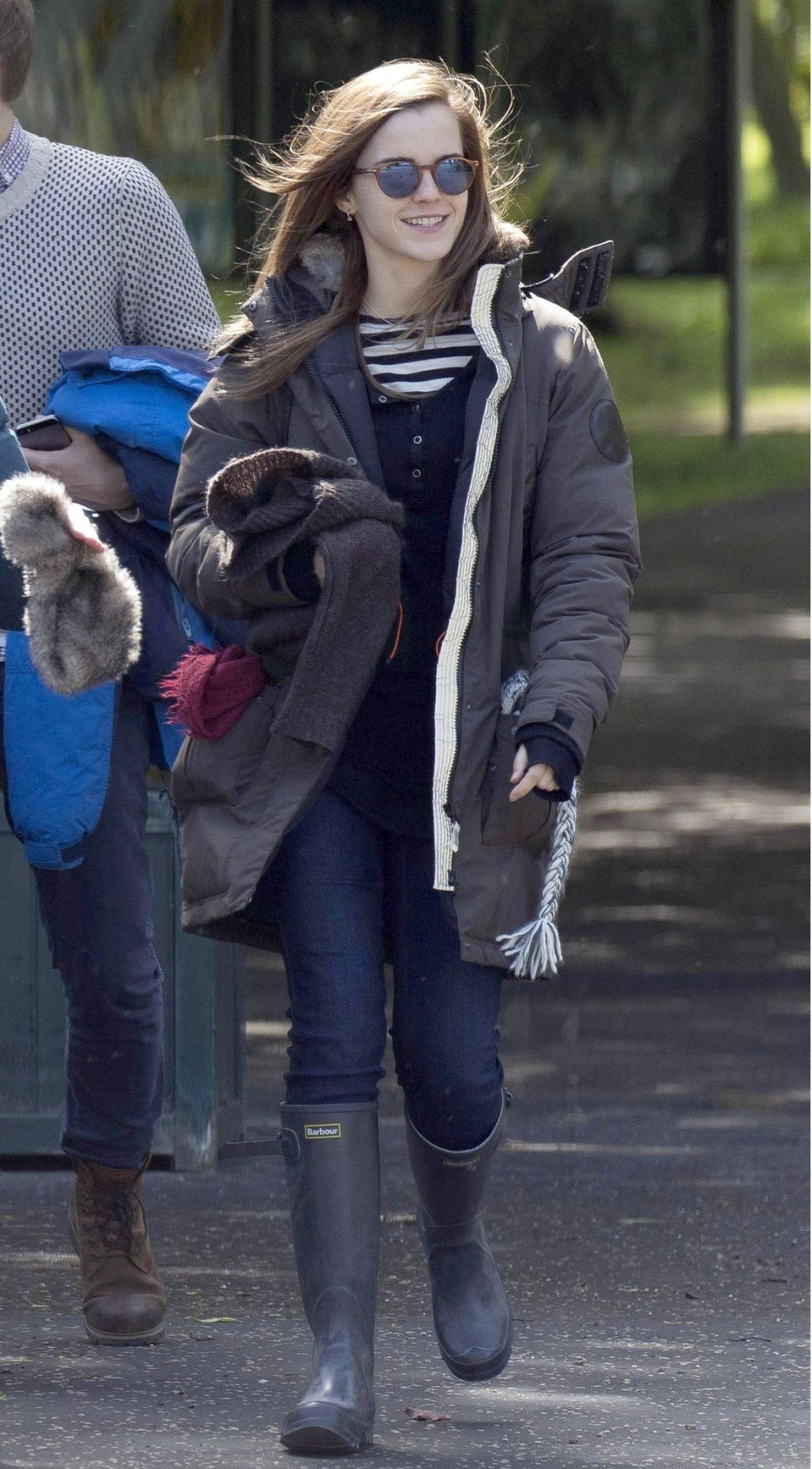 Emma Watson Going to Scottish National Gallery of Modern Art in Edinburgh, June 2015