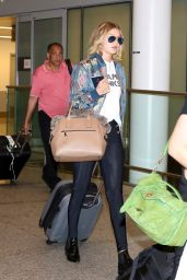 Gigi Hadid - Airport in Toronto, June 2015