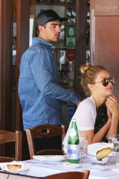 Gigi Hadid at Il Pastaio in Beverly Hills, June 2015