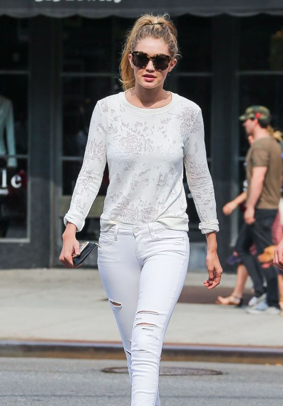 Gigi Hadid in Ripped Jeans, June 2015